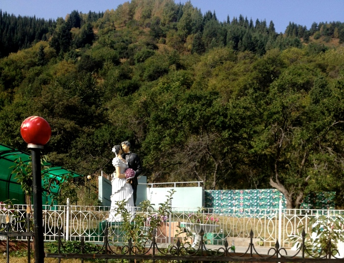 Of all the things we saw along the side of the road, this wedding venue stood out the most. The altar was right next to this massive statue of another couple getting married. I fly back to the USA next week for a wedding, but I wish everyone would just come here so my brother can get married next to it.