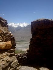 Exploring Yamchun Fortress